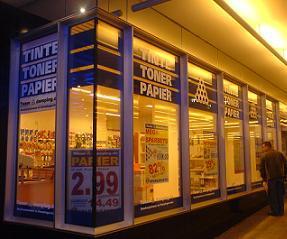 Frankfurter Allee im Jahr 2007. Heute ist das Geschäft eine Hausnummer weiter zu finden.