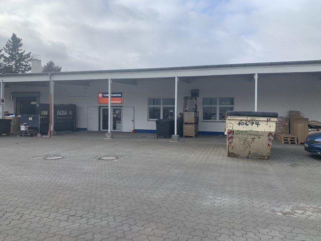 Der Lagerverkauf von Tonerdumping in Berlin-Tempelhof